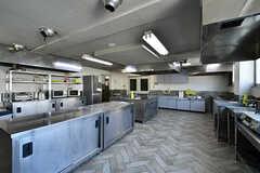 キッチンの様子3。こちらは業務用です。(2018-04-13,共用部,KITCHEN,1F)