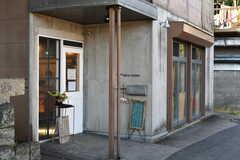 近所のパン屋さん。良い香りがします。(2020-11-05,共用部,ENVIRONMENT,1F)