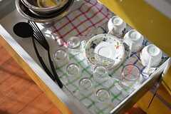 食器類は引出しの中へ収納されています。(2016-03-01,共用部,KITCHEN,1F)