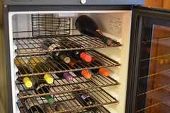 置いてあるワインや日本酒を飲まれる場合は、管理人にご相談を。(2016-01-20,共用部,OTHER,2F)