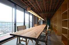 テーブルはオーダーメイドです。(2016-02-29,共用部,LIVINGROOM,2F)