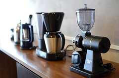 キッチン家電も豊富。(2013-09-02,共用部,KITCHEN,2F)