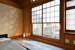 窓は雪見障子です。(102号室)(2019-11-29,専有部,ROOM,1F)