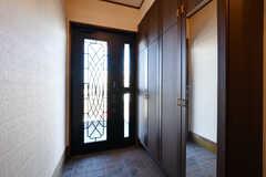 2階の玄関の様子。(2019-11-29,周辺環境,ENTRANCE,2F)