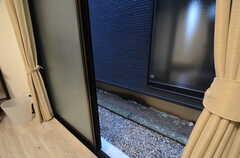 窓の外の様子。(107号室)(2015-02-24,専有部,ROOM,1F)