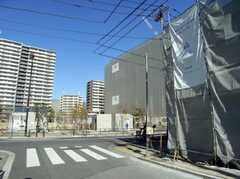 シェアハウス近くはマンションや商業施設の建設ラッシュ。(2008-02-15,共用部,ENVIRONMENT,1F)
