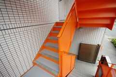 玄関へは外階段からアクセスする。(2008-06-20,共用部,OTHER,2F)