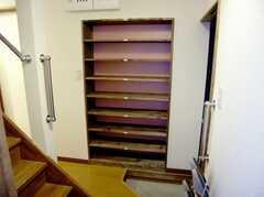 正面玄関内部の様子。(2007-03-01,周辺環境,ENTRANCE,1F)