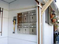 郵便ポストの様子。(2007-03-01,周辺環境,ENTRANCE,1F)