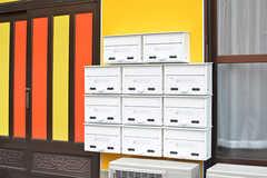 ポストは各部屋ごとに設置されています。(2016-08-23,周辺環境,ENTRANCE,1F)