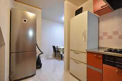 冷蔵庫は2台設置されています。(2016-08-23,共用部,KITCHEN,1F)