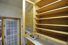 部屋ごとに分けられた食材などを置けるスペース。(2013-03-27,共用部,KITCHEN,1F)