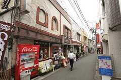 東武伊勢崎線・竹ノ塚駅前の商店街。レトロな喫茶店もあります。(2013-03-27,共用部,ENVIRONMENT,1F)