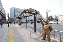 亀有といえばもちろんこの人。駅を降りると毎日迎えてくれます。(2012-03-30,共用部,ENVIRONMENT,1F)
