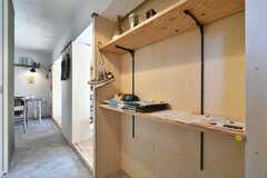 玄関に棚が造作されています。(A101号室)※モデルルームです。(2019-12-01,専有部,ROOM,1F)