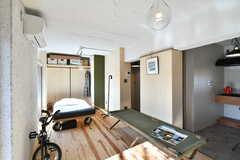 居住室の様子3。(A101号室)※モデルルームです。(2019-12-01,専有部,ROOM,1F)