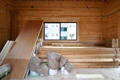 DIYの作業部屋の様子。工事で余った資材や塗料などを保管しています。(2020-03-17,共用部,LIVINGROOM,1F)