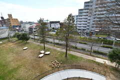 ベランダからの景色。テラスが見下ろせます。(A407号室)(2020-03-17,専有部,ROOM,4F)