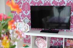 共用TVの様子。(2013-08-30,共用部,LIVINGROOM,4F)