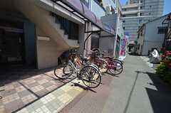 自転車置場の様子。(2015-05-21,共用部,GARAGE,1F)