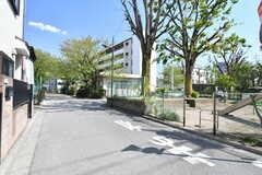 近くには公園があります。(2018-04-09,共用部,ENVIRONMENT,1F)