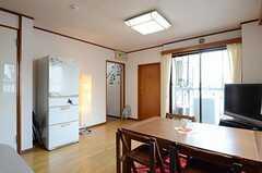 キッチン側から見たリビングの様子。(2012-11-22,共用部,LIVINGROOM,3F)