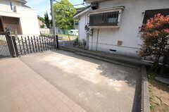 自転車置場の様子。  (2012-05-14,共用部,GARAGE,1F)