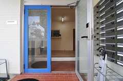 正面玄関から見た内部の様子。(2013-10-21,周辺環境,ENTRANCE,1F)