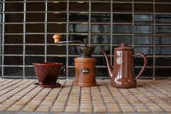 テーマはコーヒー。コーヒーグッズも並びます。(2017-05-18,共用部,KITCHEN,2F)