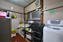 洗濯機や掃除用具などが集まっています。(2019-02-27,共用部,LAUNDRY,1F)