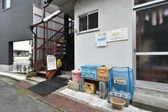 建物の目の前がゴミ収集所です。(2019-02-27,共用部,OTHER,1F)