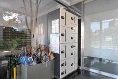 宅配ボックスの様子。(2011-08-30,周辺環境,ENTRANCE,1F)