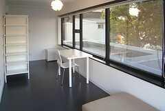 専有部の様子2。家具は一部変更されています。(202号室)(2008-02-19,専有部,ROOM,2F)