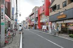 東武伊勢崎線・五反野駅前の商店街の様子。(2011-08-30,共用部,ENVIRONMENT,1F)