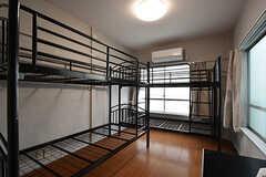 専有部の様子。2名入居も可能です。2段ベッドがありますが、不要な場合は撤去されます。(308号室)(2016-06-30,専有部,ROOM,3F)