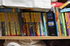 中には本棚にしている入居者さんも。(2017-06-27,共用部,OTHER,3F)