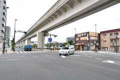 近くの交差点の様子。(2017-06-27,共用部,ENVIRONMENT,1F)