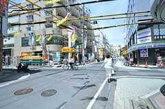 東武伊勢崎線・竹ノ塚駅からシェアハウスへ向かう道の様子。(2015-07-13,共用部,ENVIRONMENT,1F)