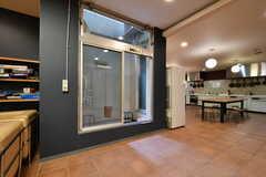 キッチンの隣は喫煙スペースです。(2019-03-17,共用部,OTHER,-1F)