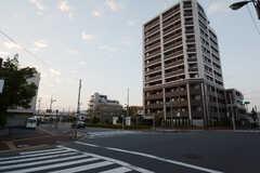 東京メトロ千代田線・北綾瀬駅からシェアハウスへ向かう道の様子。(2014-10-25,共用部,ENVIRONMENT,1F)