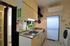 キッチンの様子。(2013-06-24,共用部,KITCHEN,1F)