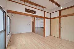 専有部の様子4。2間続きで広い空間です。(202号室)(2015-06-02,専有部,ROOM,2F)