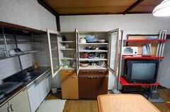 専有部の様子4。食器、調理用具付き。(101号室)(2008-05-15,専有部,ROOM,1F)