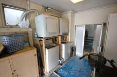 洗濯機の様子。(2008-05-15,共用部,LAUNDRY,1F)