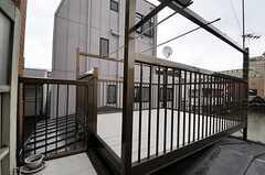 屋上に設置された物干し場の様子。(2011-06-10,共用部,OTHER,3F)