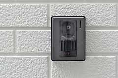 カメラ付きインターホンの様子。(2011-10-13,周辺環境,ENTRANCE,1F)