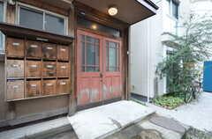 玄関の様子。(2015-08-31,周辺環境,ENTRANCE,1F)
