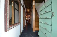 玄関から見た内部の様子。(2015-08-31,周辺環境,ENTRANCE,1F)