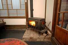 暖炉は現役で活躍中です。(2015-08-31,共用部,OTHER,1F)