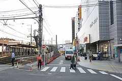 各線・町屋駅前の様子。(2012-10-16,共用部,ENVIRONMENT,1F)